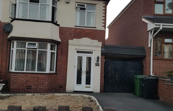 To Let – 3 Bedroom House – Semi detached – Dudley