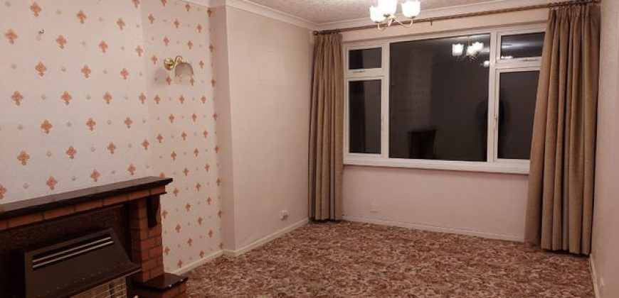 3 bed semi-detached house to rent-Dudley