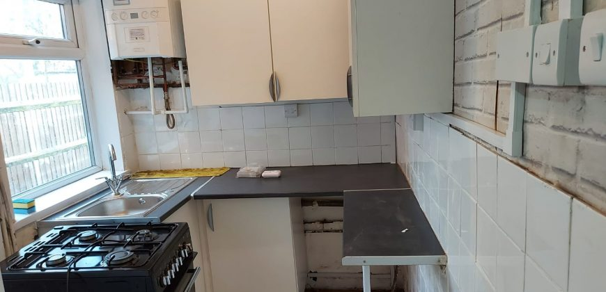 2-bed house to let-Birmingham